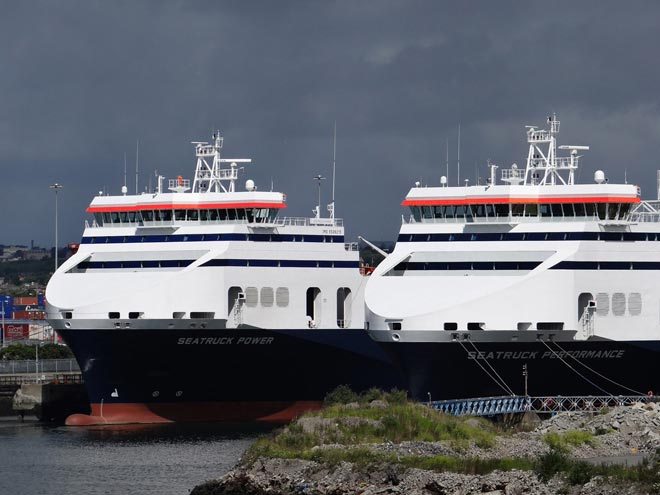 Seatruck Power and Seatruck Performance